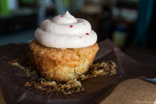 Raspberry White Chocolate Vanilla Cupcake - Mellow Yellow Cafe - Mirdif Dubai