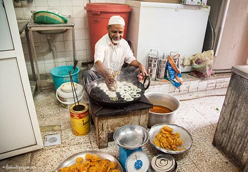 Chacha making fresh Jalebi - Imdad Sweets - Naif - Deira Dubai