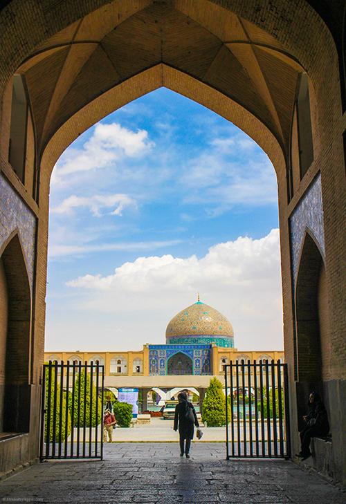Nagshe-Jahan, Isfahan